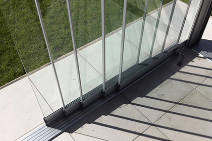 Alumil Petokanalni klizni sistemi za zastakljivanje terasa