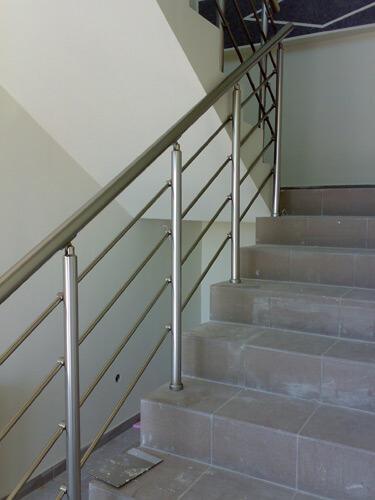 Aluminijumska ograda za unutrasnje stepeniste